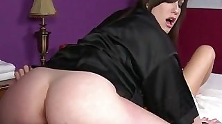 Goth masseuse gets pussy ate by customer